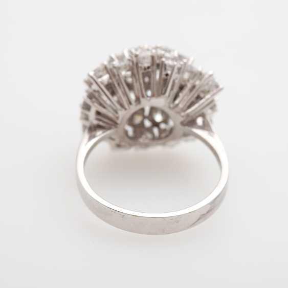 Cocktail ring set with numerous brilliant-cut diamonds - photo 4