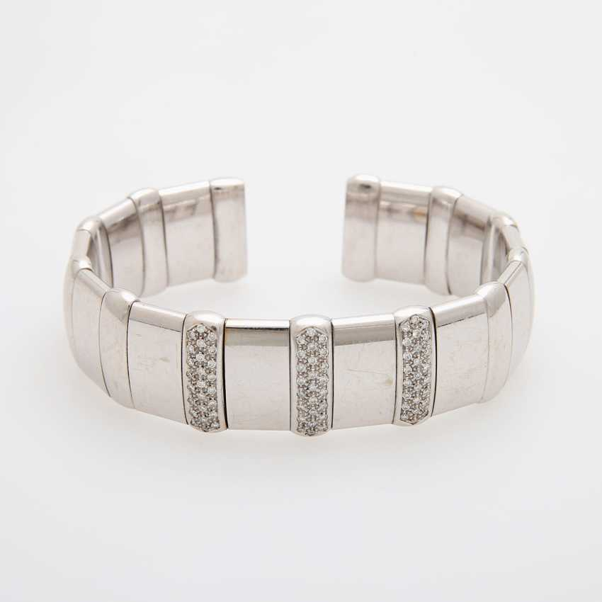 Flexible cuff with diamond trim - photo 1