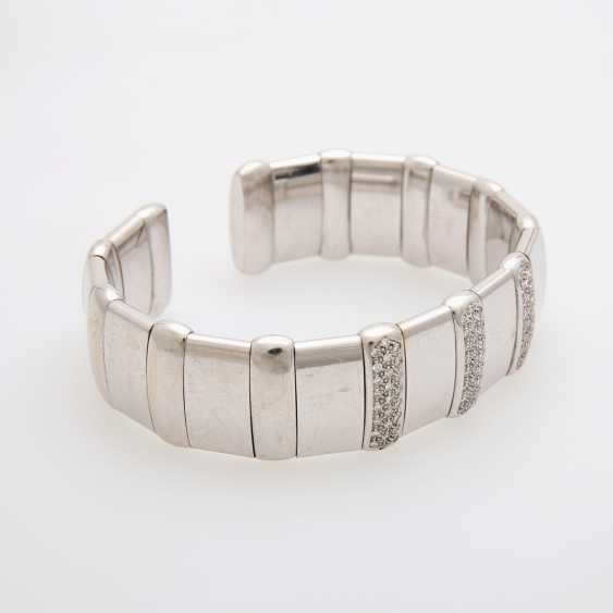 Flexible cuff with diamond trim - photo 2