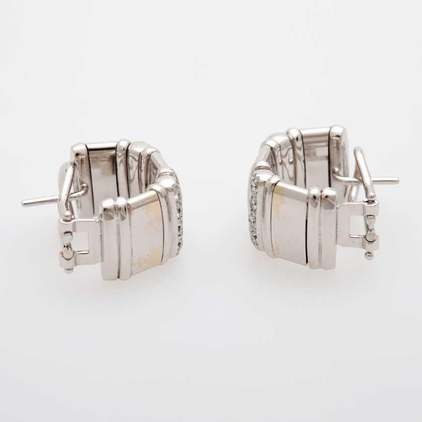 Ear plug with diamonds - photo 2