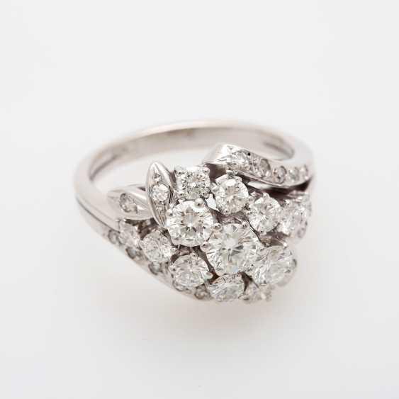 Ladies ring m. Diam occupied.-Brilliant - photo 1