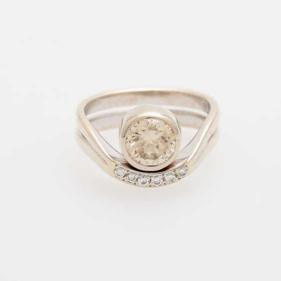 Ladies ring filled m. 1 Diam.-Brilliant - photo 1