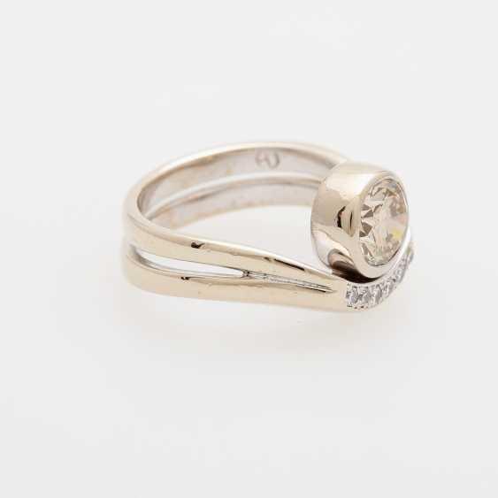 Ladies ring filled m. 1 Diam.-Brilliant - photo 2