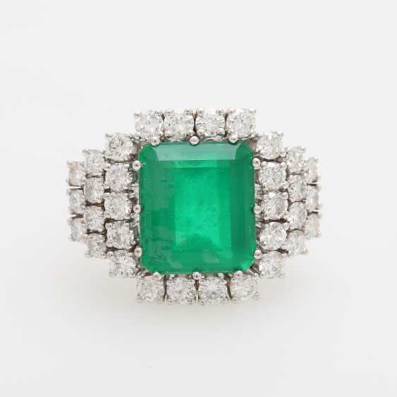 Cocktail ring with diamonds and green stone, - photo 1