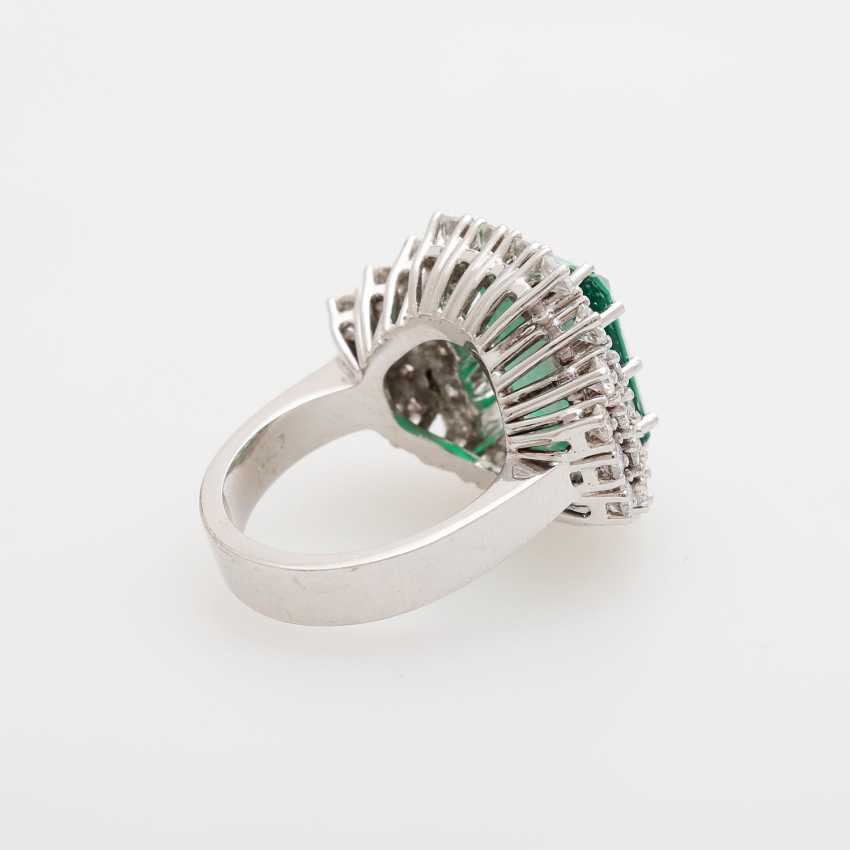 Cocktail ring with diamonds and green stone, - photo 3