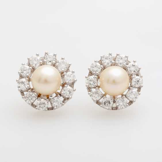 Pair of earrings with diamonds and Akoya pearls, - photo 1