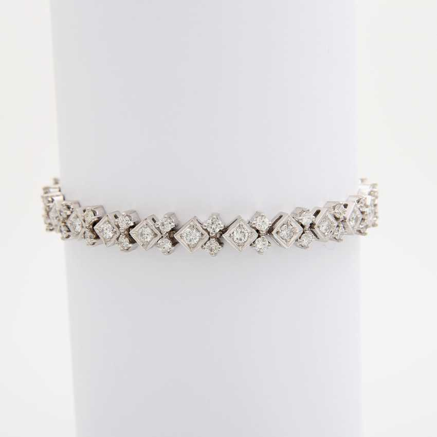 Bracelet with numerous diamonds, - photo 1
