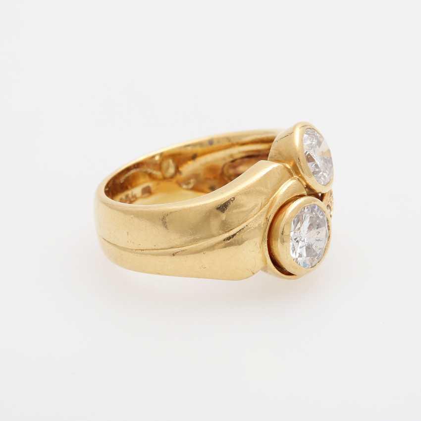 Ladies ring with 2 large diamonds, - photo 2