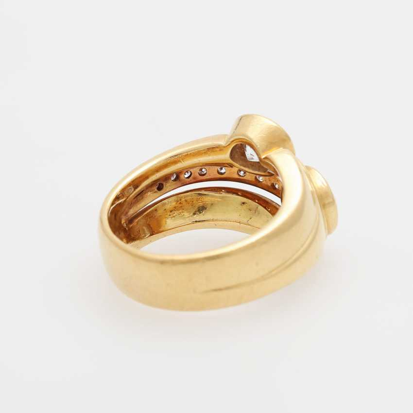 Ladies ring with 2 large diamonds, - photo 3