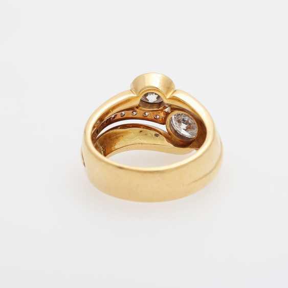 Ladies ring with 2 large diamonds, - photo 4