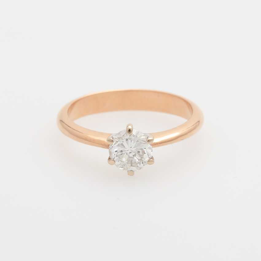 Solitaire Ring with a diamond of 0.83 ct round brilliant, - photo 1