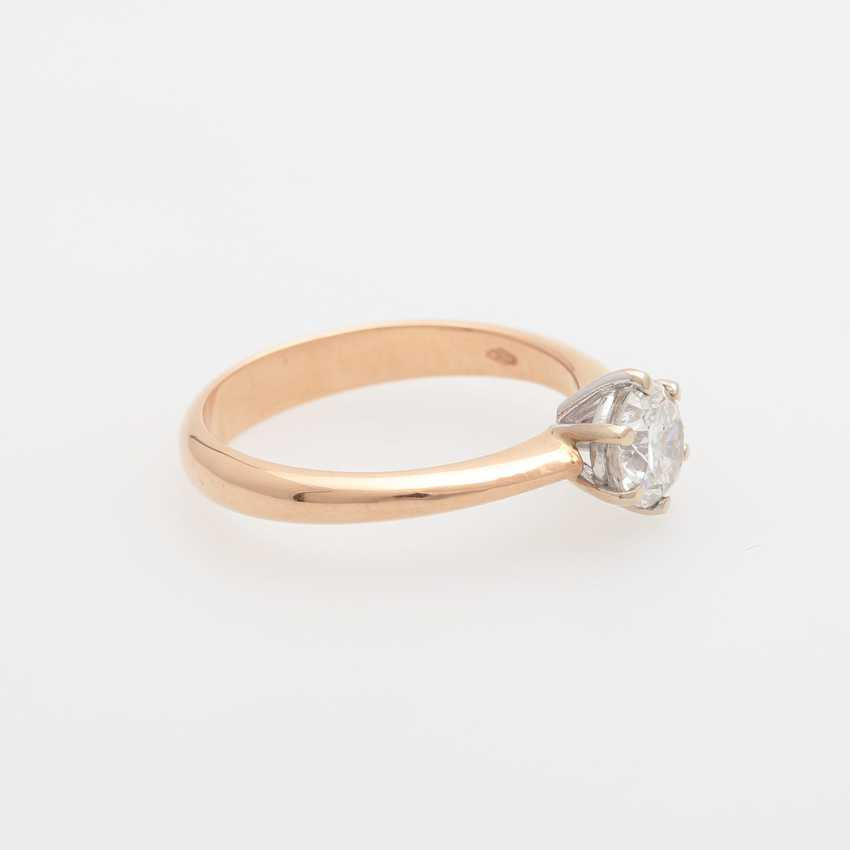 Solitaire Ring with a diamond of 0.83 ct round brilliant, - photo 2