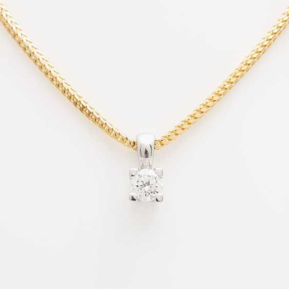Pendant with chain, pendant set with a Diam.- Brilliant - photo 2