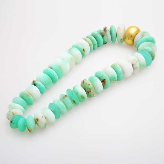 Extravagant necklace made of chrysoprase lenses in the course; - photo 2