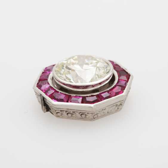 Jewelry element with a large diamond - photo 3