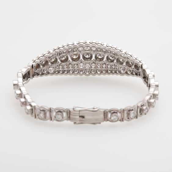 Bracelet with eye-catching brilliant stocking - photo 3