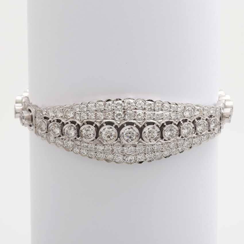 Bracelet with eye-catching brilliant stocking - photo 4