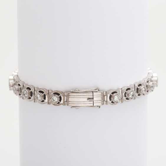 Bracelet with eye-catching brilliant stocking - photo 5