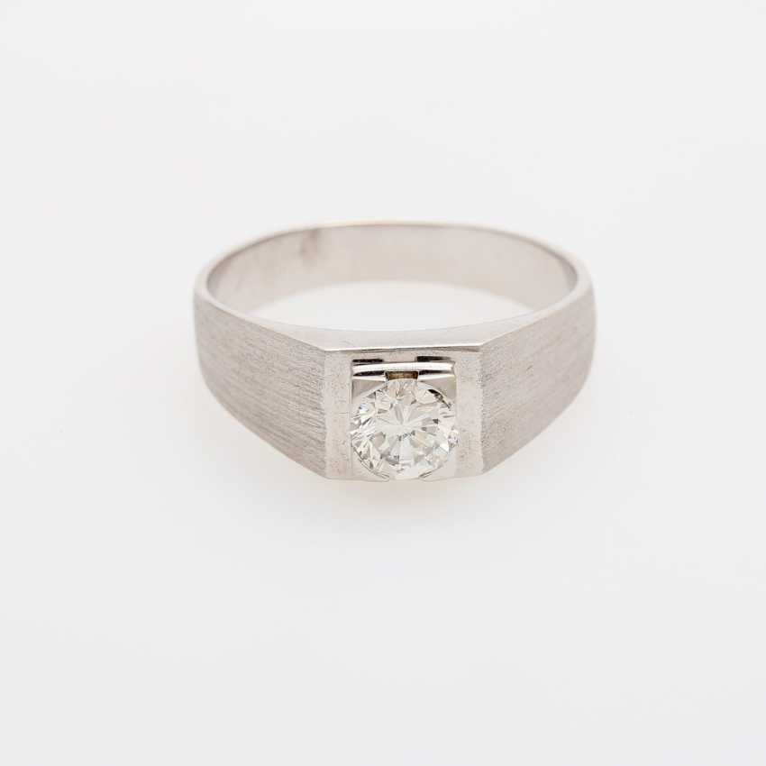 Mens solitaire ring with 1 diamond, about 0.9 ct; - photo 1