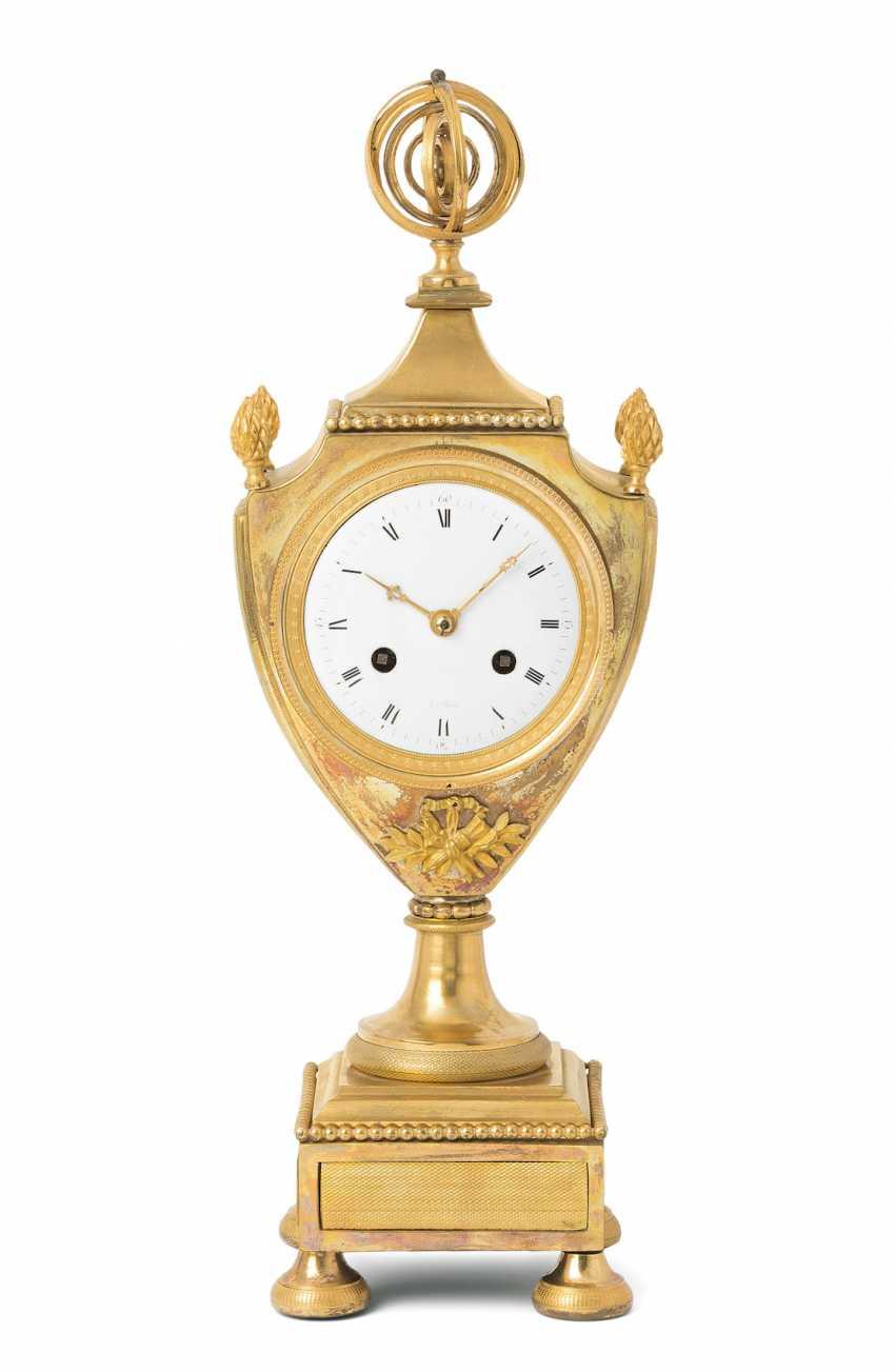 Mantel clock - photo 1