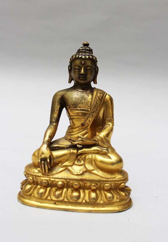 Chinese Bronze Buddha - photo 1