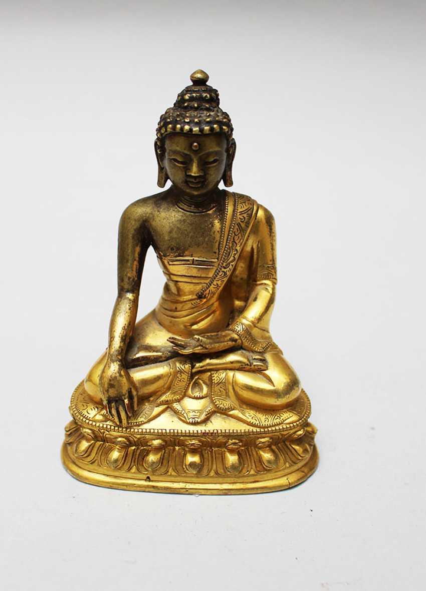 Chinese Bronze Buddha - photo 2