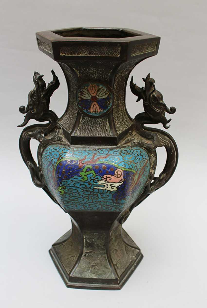 Chinese Cloisone Vase - photo 1