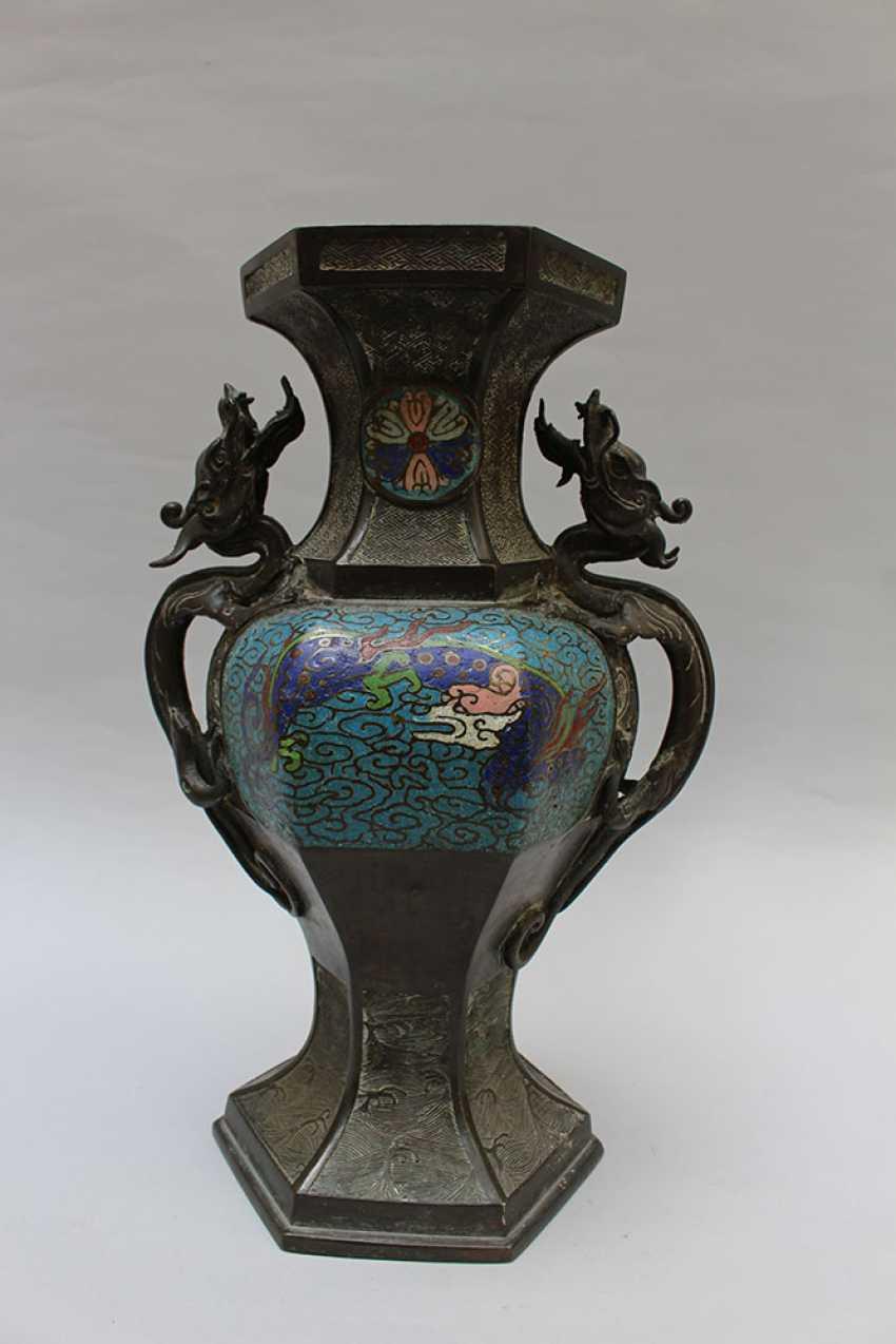 Chinese Cloisone Vase - photo 2