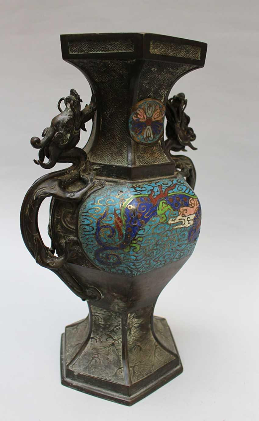 Chinese Cloisone Vase - photo 3