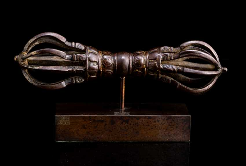 Vajra is made of iron - photo 1