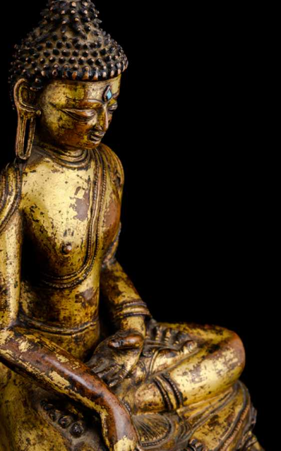 Feuervergoldete Bronze des Buddha Shakyamuni - photo 3