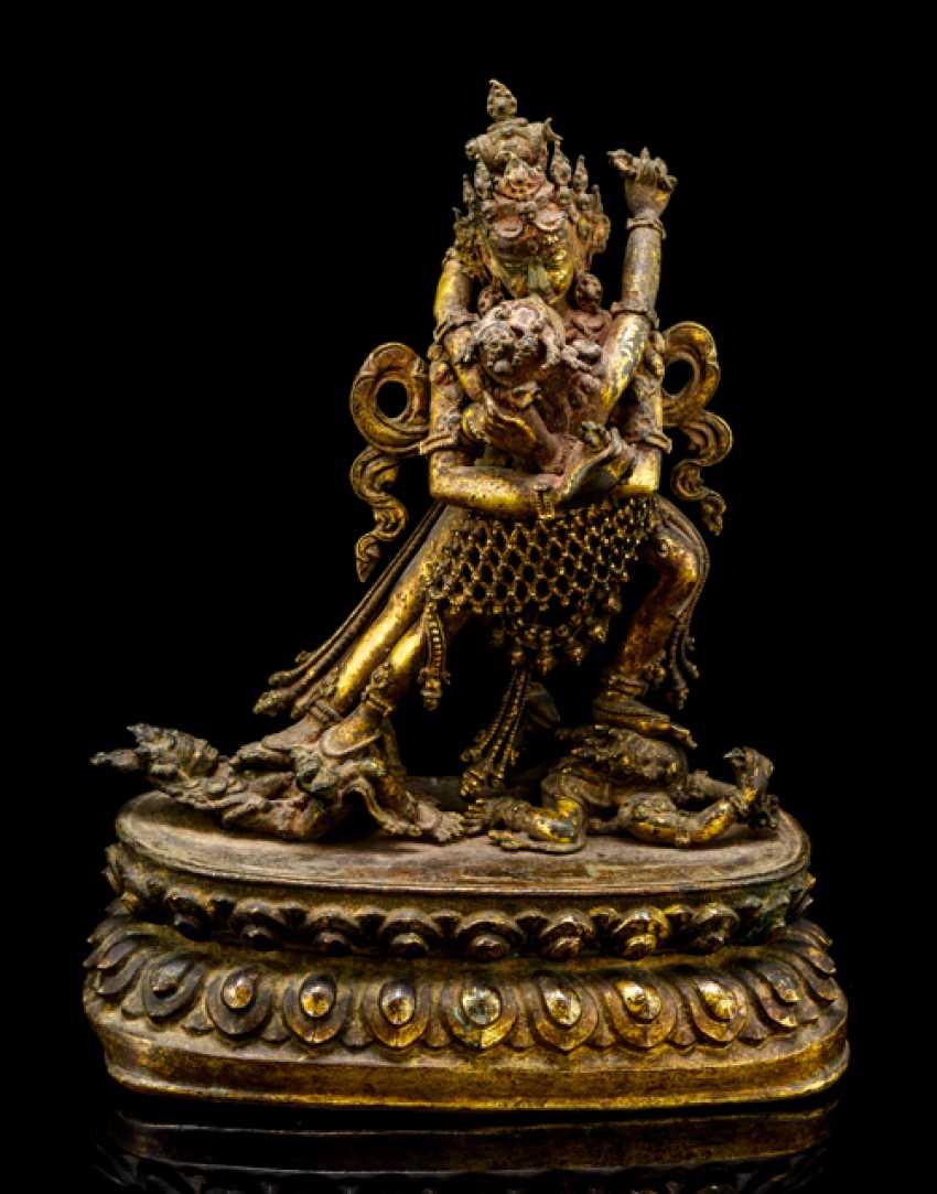 Fine fire-gilded Bronze of SAMVARA and NAIRATMYA - photo 1