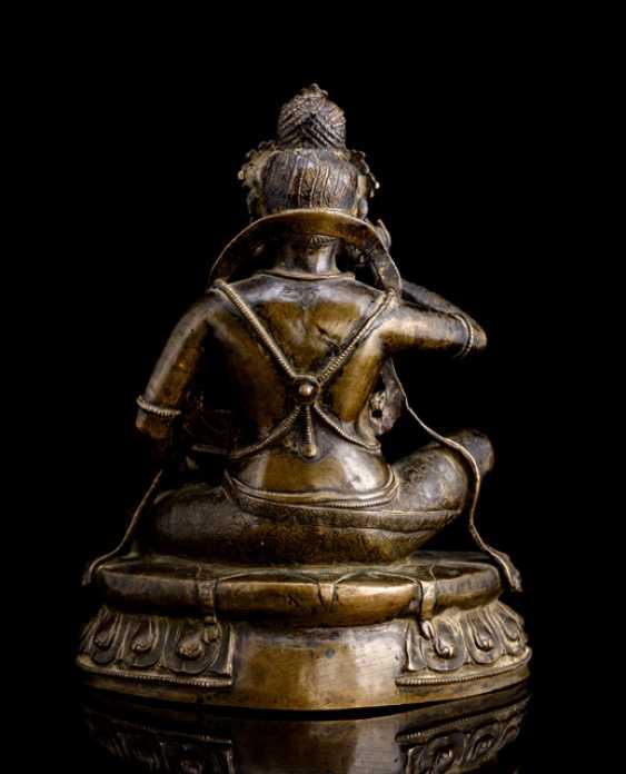 Fine and rare Bronze of the Mahasiddha KRSHNACARIN - photo 2