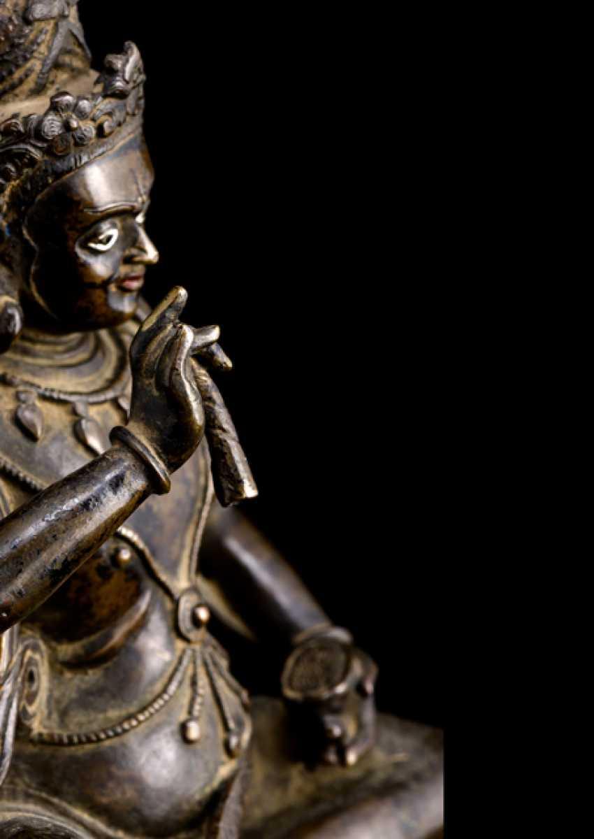 Fine and rare Bronze of the Mahasiddha KRSHNACARIN - photo 3
