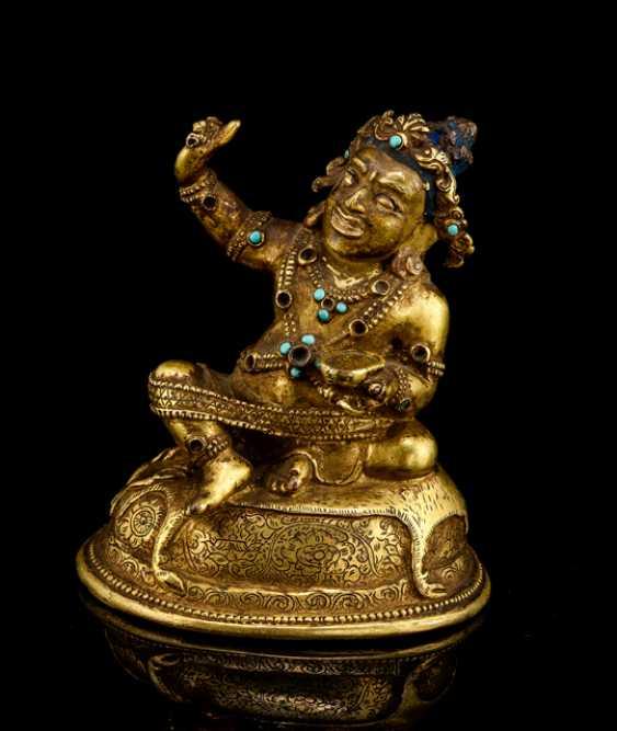 Fine fire-gilded Bronze of the Mahasiddha Virupa - photo 1