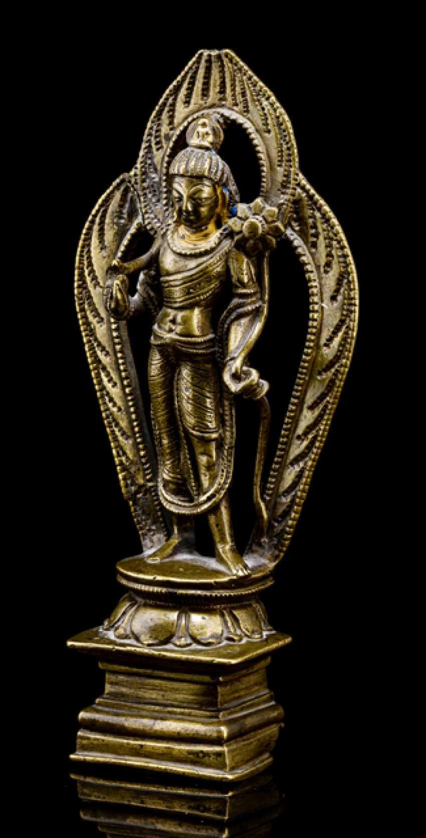 Bronze of Padmapani, on a Lotus - photo 1