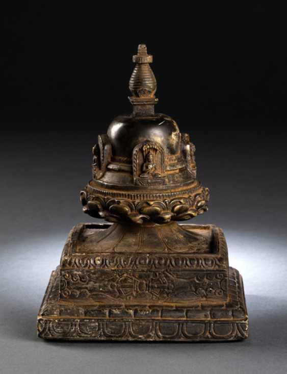 Votive Stupa with four Buddhas - photo 1
