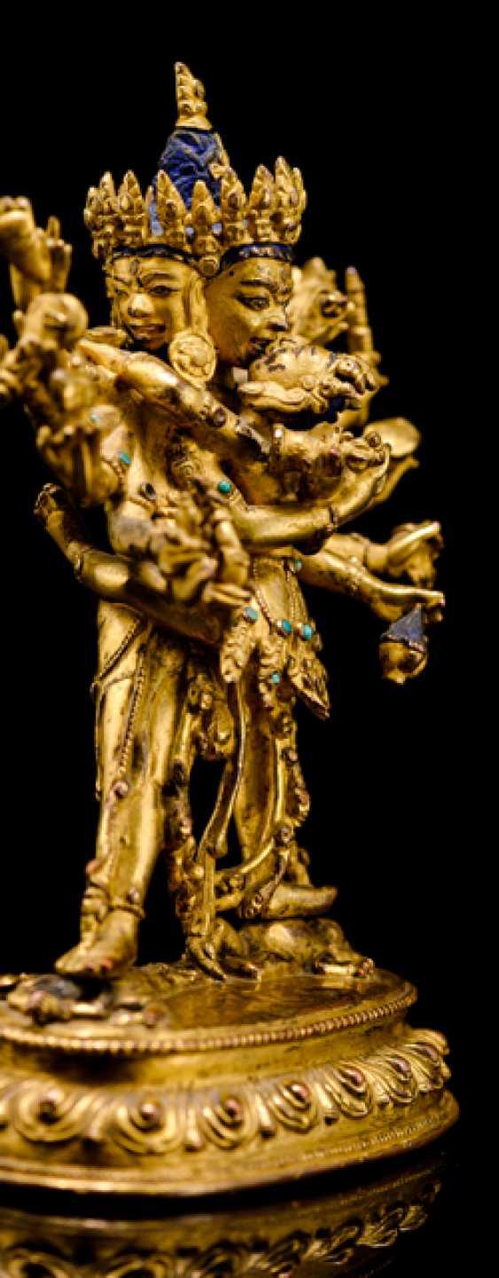 Fire-gilt Bronze of the Cakrasamvara on a Lotus - photo 3