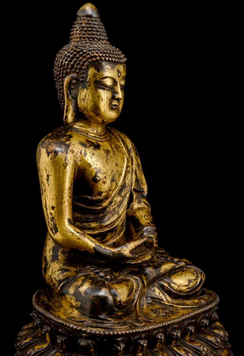 Feuervergoldete Bronze des Buddha Shakyamuni - photo 2
