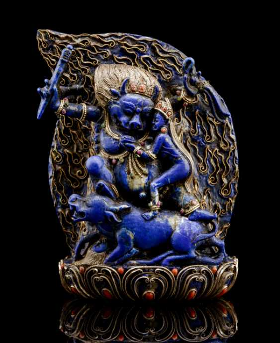 Lapis lazuli figure of Yama with silver wire and carnelian inlays - photo 1