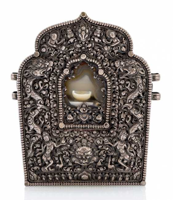 Gau made of copper with a front panel made of silver with a dragon and Dakinis, agate slice - photo 1