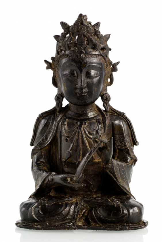 A Bronze sculpture of a Guanyin with a Ruyi scepter in the meditation seat - photo 1