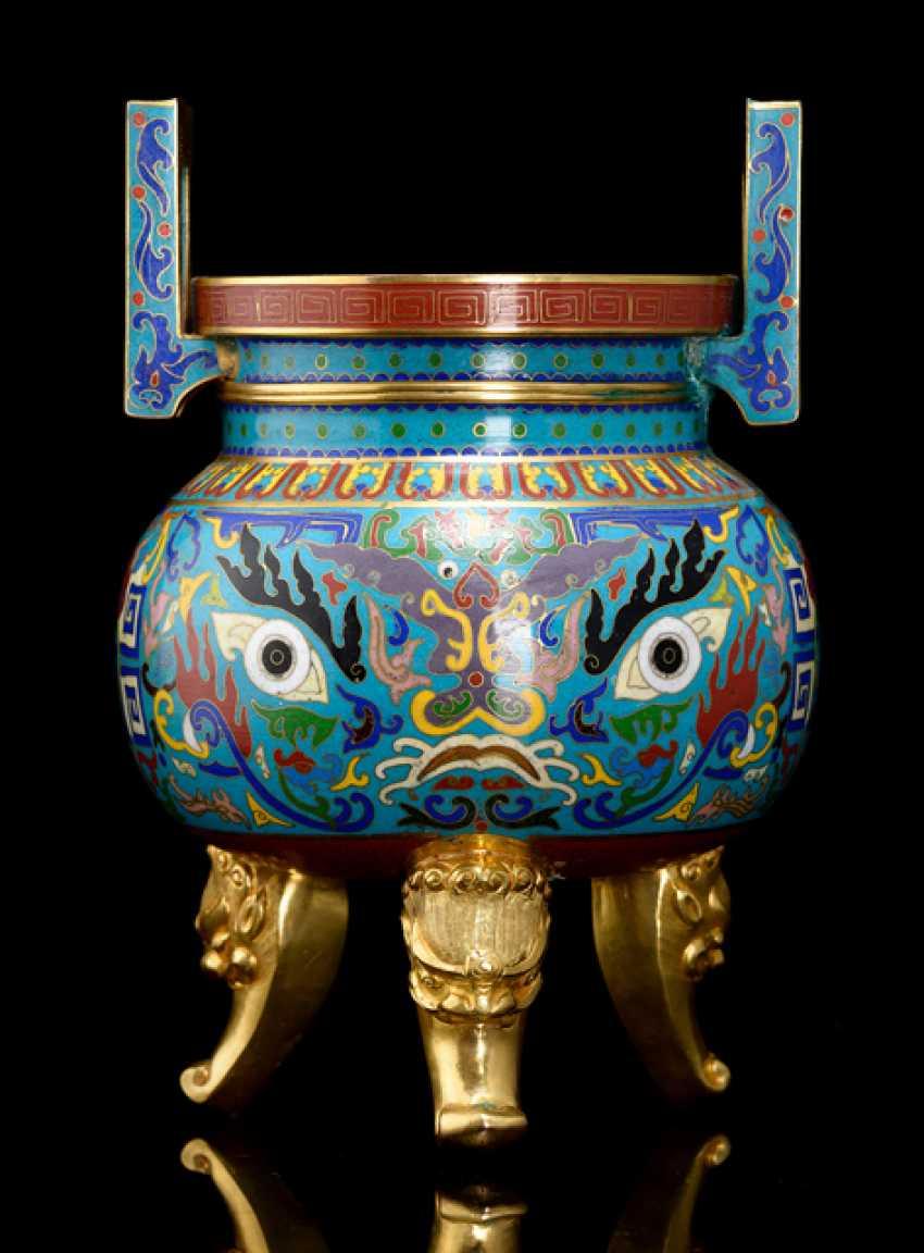 Three-legged Cloisonne incense bain with animal mask decor - photo 1