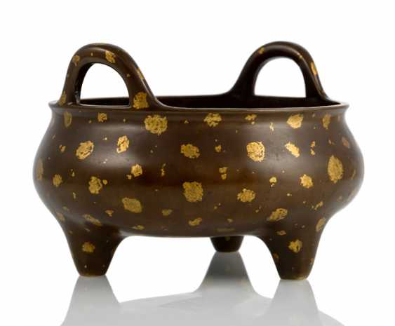 Incense burner, Bronze with gold spots on three short legs with a hardwood stand - photo 2