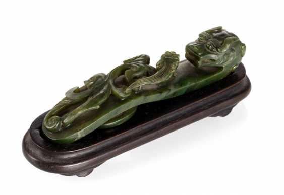 'Chilong'belt hook made of spinach green Jade - photo 1
