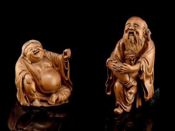 Two finely carved boxwood figures of Budai and Immortal - photo 1