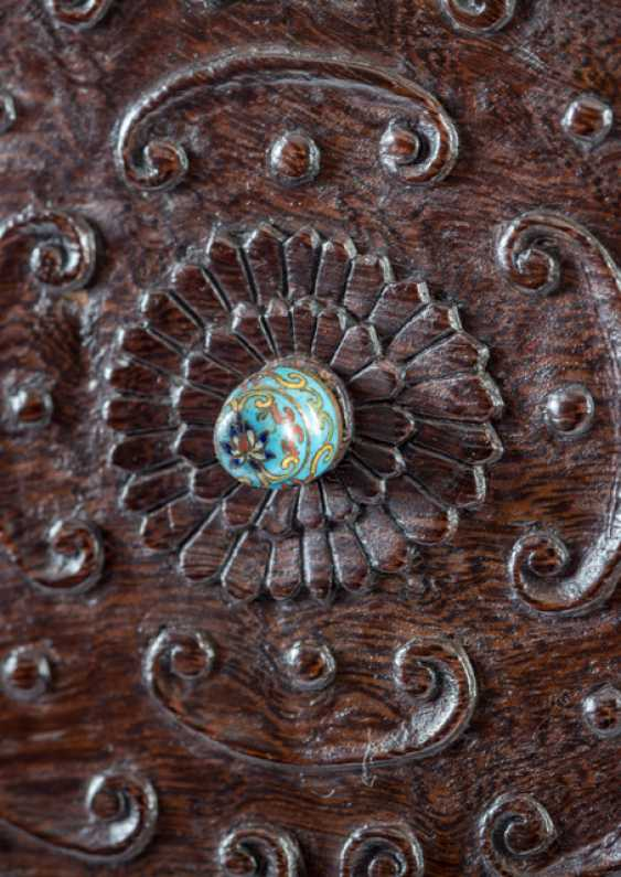 Some fine cabinets made of various Woods with Cloisonne fittings - photo 4