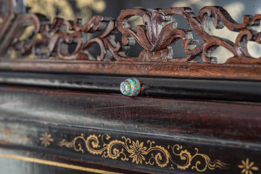 Some fine cabinets made of various Woods with Cloisonne fittings - photo 6