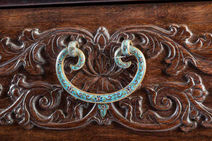 Some fine cabinets made of various Woods with Cloisonne fittings - photo 9