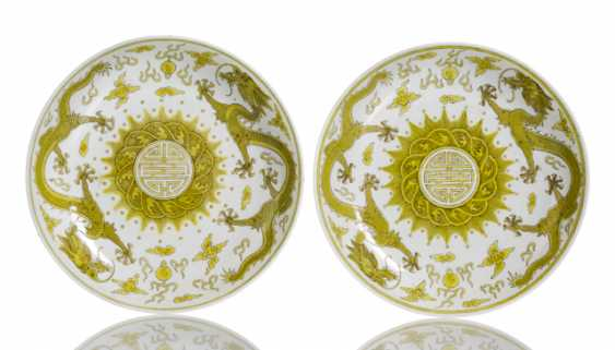 Pair of porcelain plate with dragon decoration in Yellow and brown - photo 1